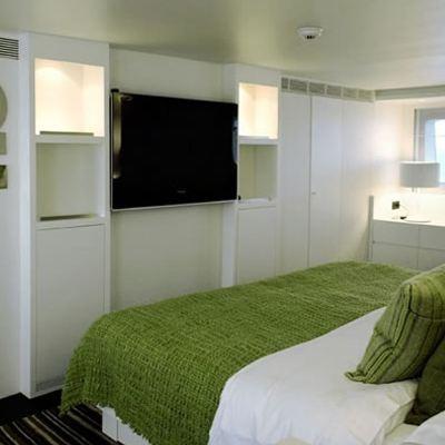Berzinc Yacht Green Guest Stateroom