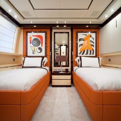 Lisa IV Yacht Red Twin Stateroom