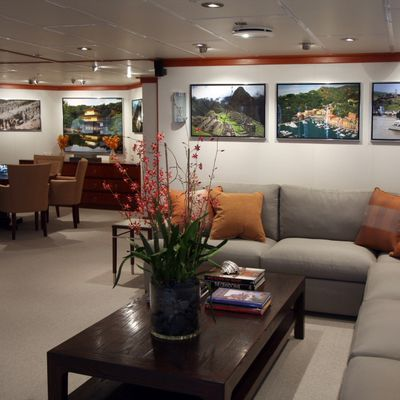 Silver Cloud Yacht Main Salon