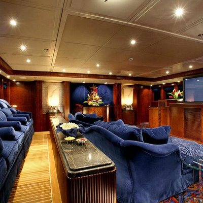 Nomad Yacht Private Cinema - Night