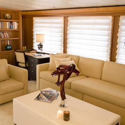 Silent World II Yacht Port Saloon with Desk