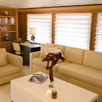 Silent World II Yacht Port Saloon with Desk