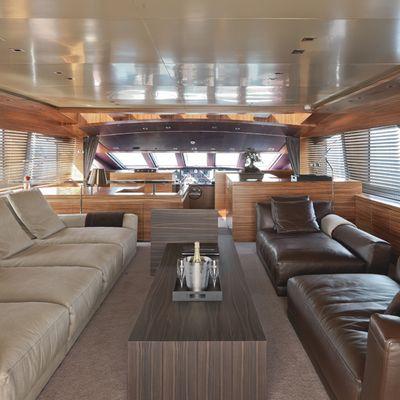 Sierra Romeo Yacht Skylounge