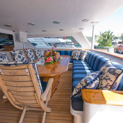 Sea Falcon II Aft Deck Alfresco