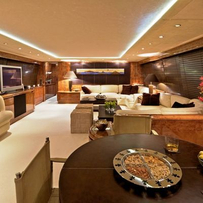 Obsesion Yacht Saloon - Overview