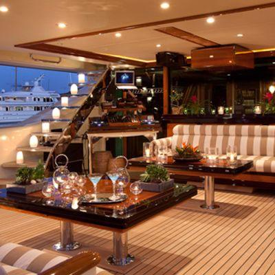 Tiara Yacht Aft deck lounge