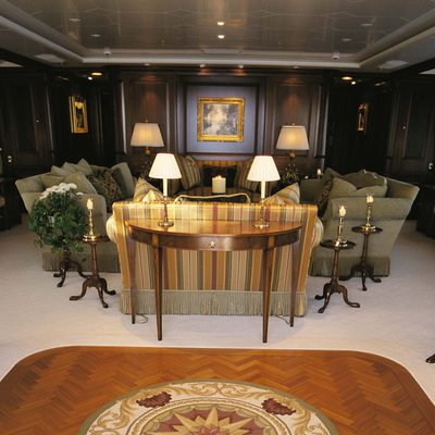 Paraffin Yacht Lounge - Overview