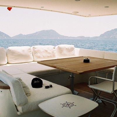 Dali Yacht
