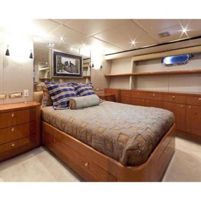 Yoly Yacht
