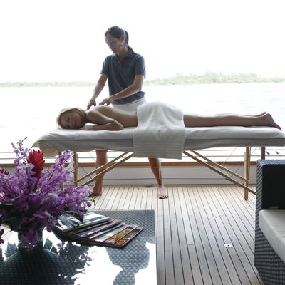 Sovereign Yacht Beach Club - Massage