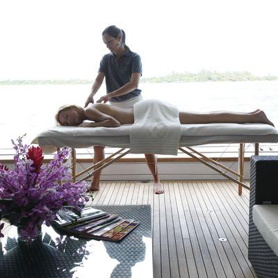 Sovereign Yacht Beach Club - Massage