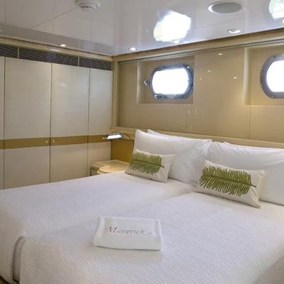 Maverick II Yacht Green Twin Stateroom