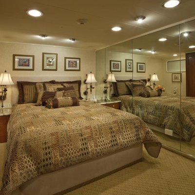 Golden Compass Yacht Guest Stateroom - Starboard