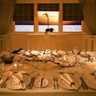 Carmen Serena Yacht Dining