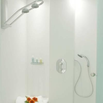 Elegant 007 Yacht Guest Stateroom - Shower