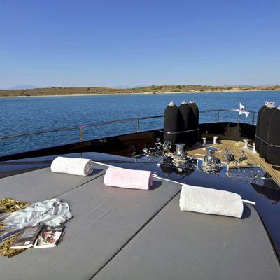 O'Pati Yacht Foredeck - Sun Bathing