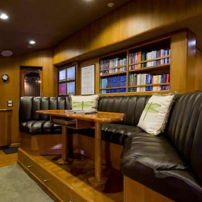 Sea Falcon II Yacht Bridge Seating