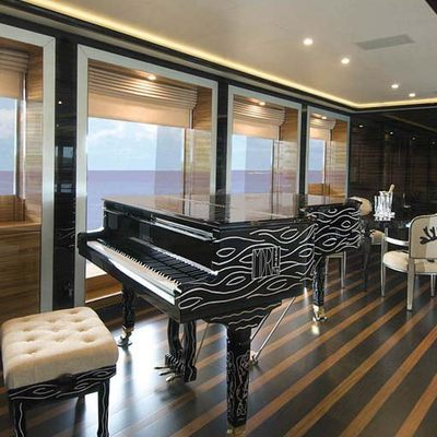 Alfa Nero Yacht Salon - Piano