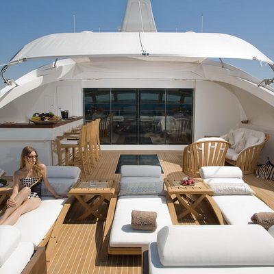 Namaste 8 Deck Lounge - Seating