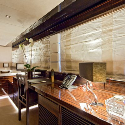 Seven S Yacht Master Office & Seating