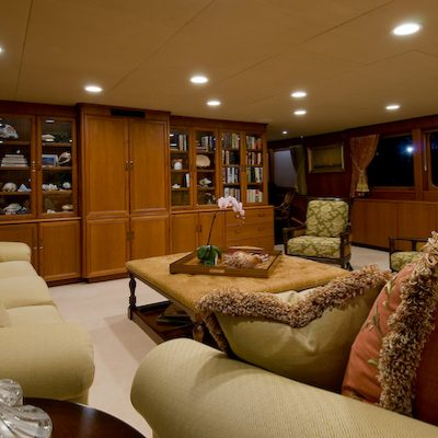 Sea Falcon II Yacht Main Salon - Sofa