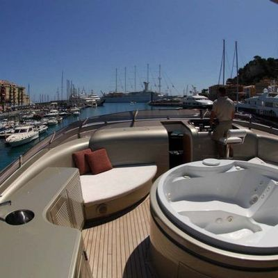Hooligan II Yacht Jacuzzi & Flybridge