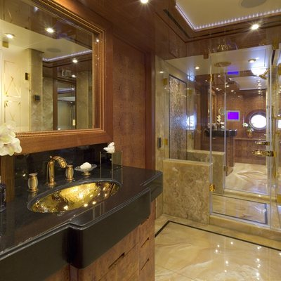 Lady Sheridan Yacht Master Bathroom