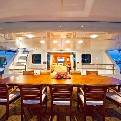 Olmida Bridge Deck - Dining