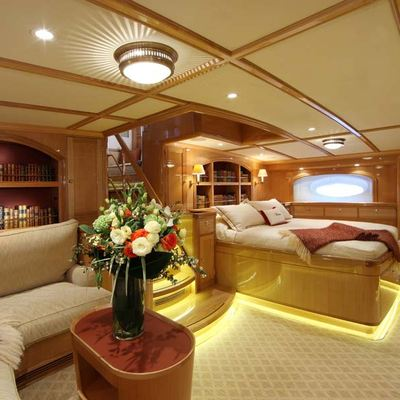 Marie Yacht Master Stateroom - Seating Area