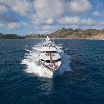 Ocean Club Yacht Running Shot - Front View