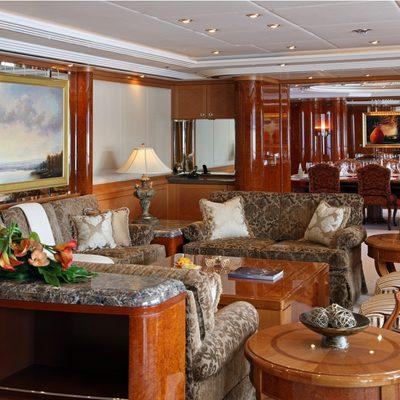 Capri I Yacht Main Salon - Seating
