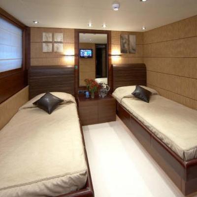 Matsu Yacht Twin Stateroom