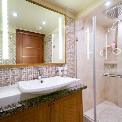Daima Yacht Guest Bathroom