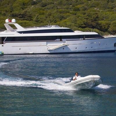 Nomi Yacht
