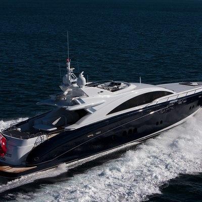 Quantum Yacht Running Shot - Rear View