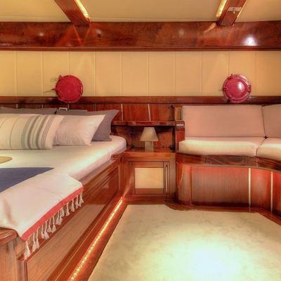 Nautilus Yacht