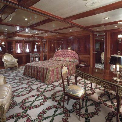 SS Delphine Yacht Master Stateroom - Desk
