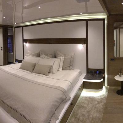 Liquid Sky Yacht