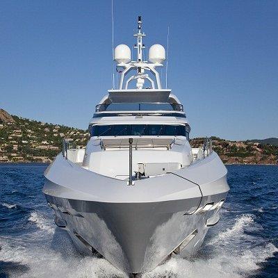Seven S Yacht Running Shot - Front View