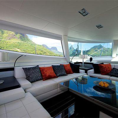 Bliss Yacht Saloon - Aft