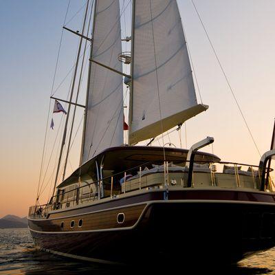 Daima Yacht Sunset