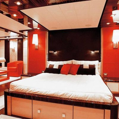Dragon Yacht Master Stateroom