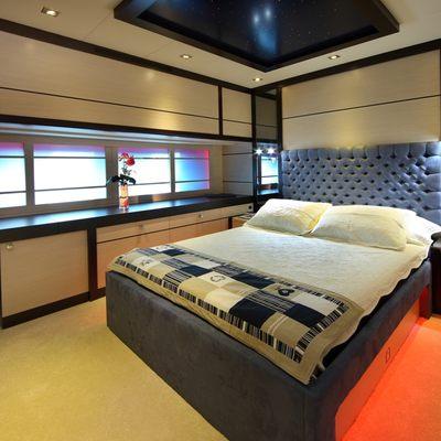 Perla del Mare Yacht White Guest Stateroom