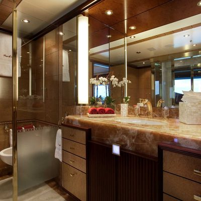 Jaguar Yacht Master Bathroom - Hers