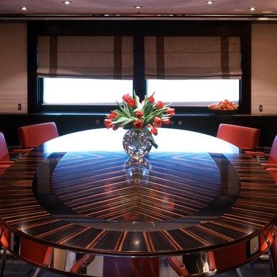 Illusion I Yacht Dining