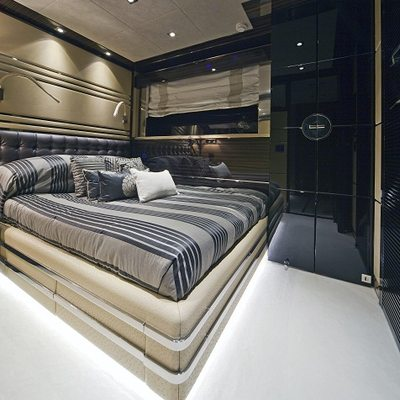 Seven S Yacht Stateroom