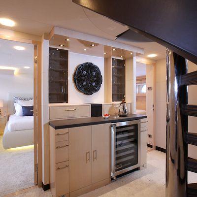 taTii Yacht Guest Foyer