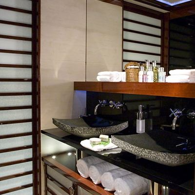 Talisman Maiton Yacht Bathroom Detail