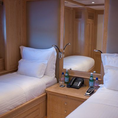 African Queen Yacht Twin Stateroom