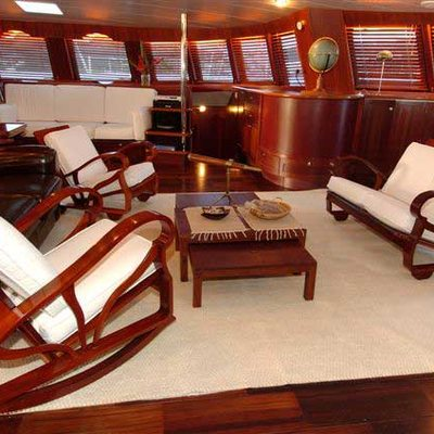 Douce France Yacht Salon